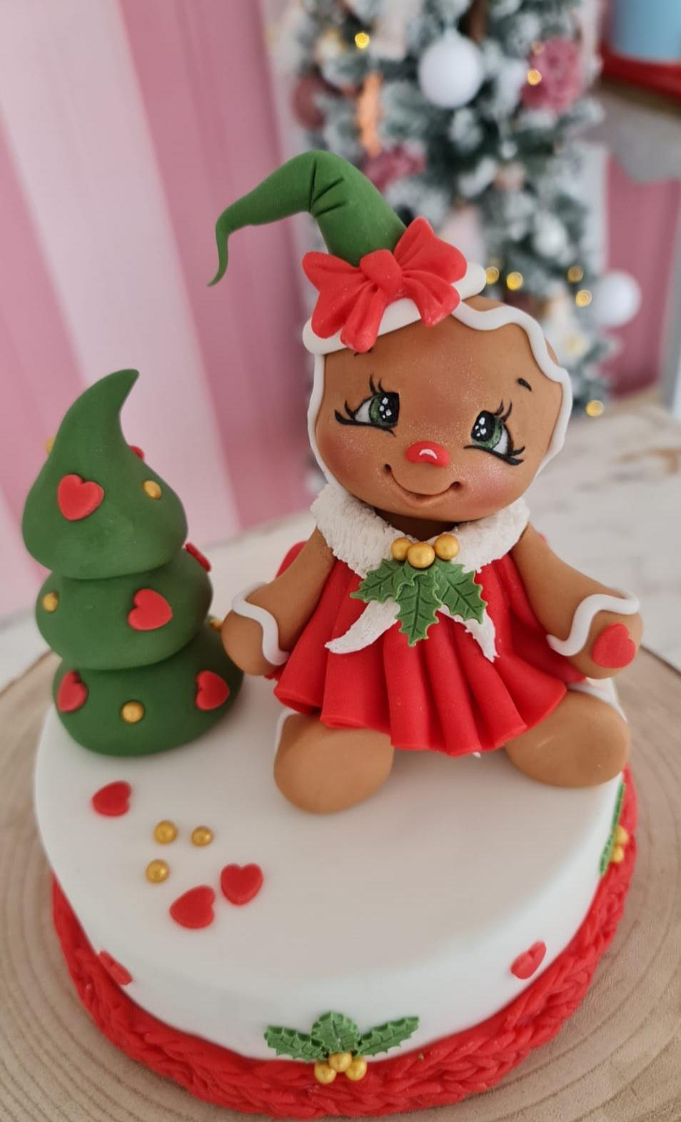 Tutorial Ginger Biscottina con le Paste di zucchero Emy model & revolution realizzato da Sara Stefanelli.