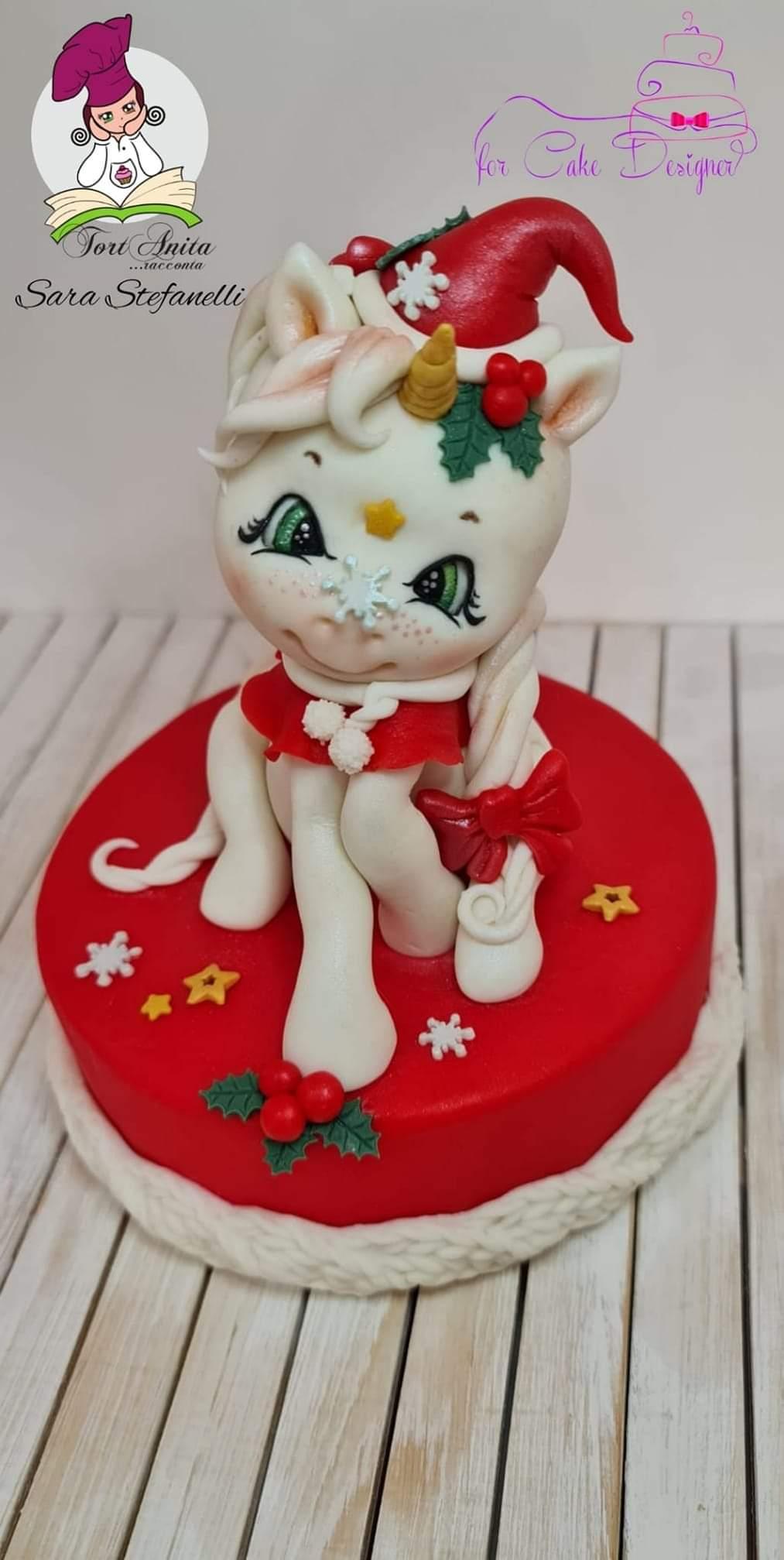 Tutorial Unicorno Natalizio su pasta di zucchero Emy Model realizzato